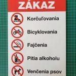 Plastová tabuľa so zákazmi