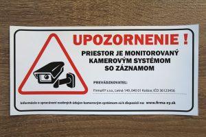 Nálepka Priestor monitorovaný kamerovým systémom s vytlačenými údajmi